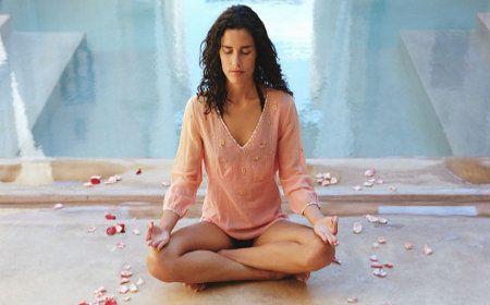 Medita antes de llamar a un tarotista