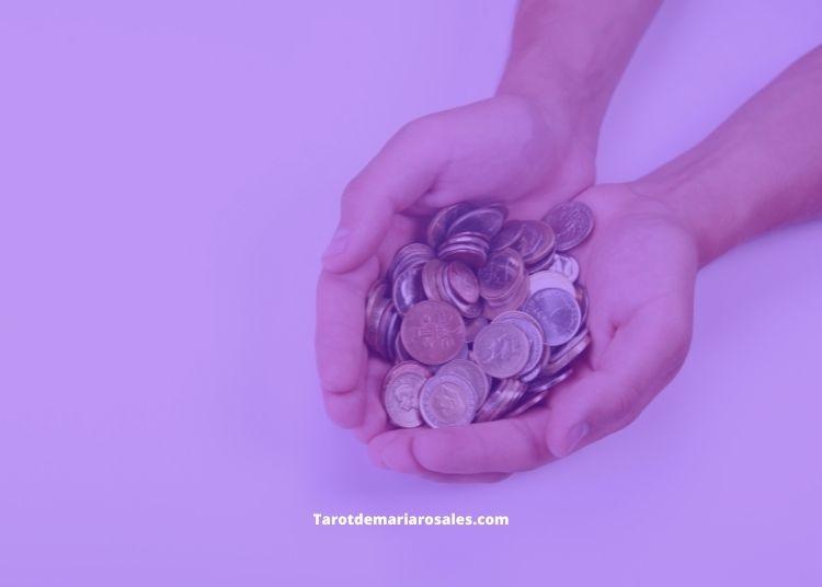 significado encontrar monedas en el suelo